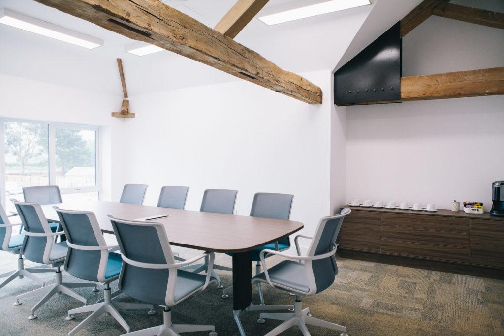 spacious-meeting-room